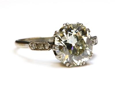 Lot 202 - An Art Deco single stone diamond ring