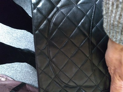 Lot 691 - A Chanel matelassé lambskin leather shoulder bag