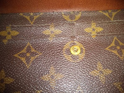 Lot 1007-Louis Vuitton Sarah wallet and boxed padlock with key