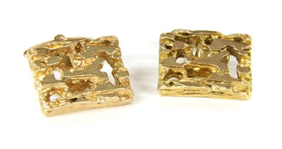 Lot 5-A pair of 1970s 9ct gold cufflinks