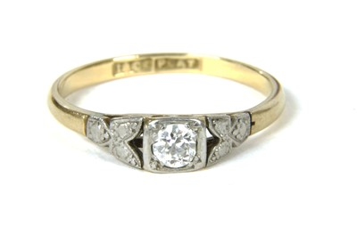 Lot 18-A single stone diamond ring