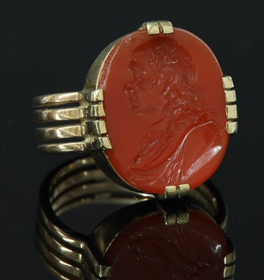 Lot 21-A gentlemen's Edwardian gold hardstone signet ring