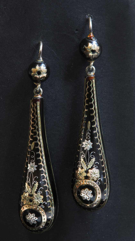 Lot 20-A pair of Victorian piqué work tortoiseshell drop earrings