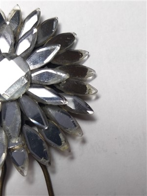 Lot 1001-A quantity of Victorian Vauxhall glass jewellery
