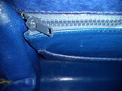Lot 1004-A vintage Gucci blue leather Handbag