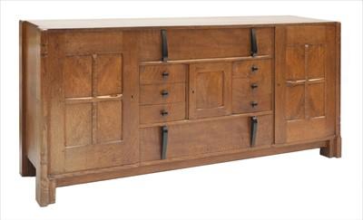 Lot 233 - An oak sideboard
