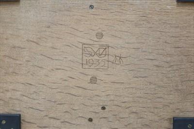 Lot 251 - An oak tray
