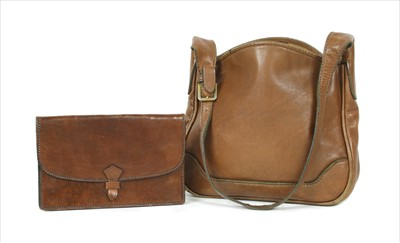 Lot 1001-A Vintage Gucci brown leather shoulder bag