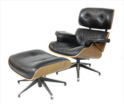 Lot -A 670 lounger and 671 ottoman