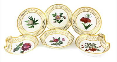 Lot 20-A set of twenty Paris Nast porcelain Botanical plates