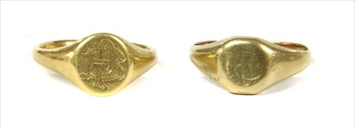 Lot 26-An 18ct gold signet ring