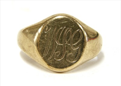 Lot 19-A 9ct gold signet ring