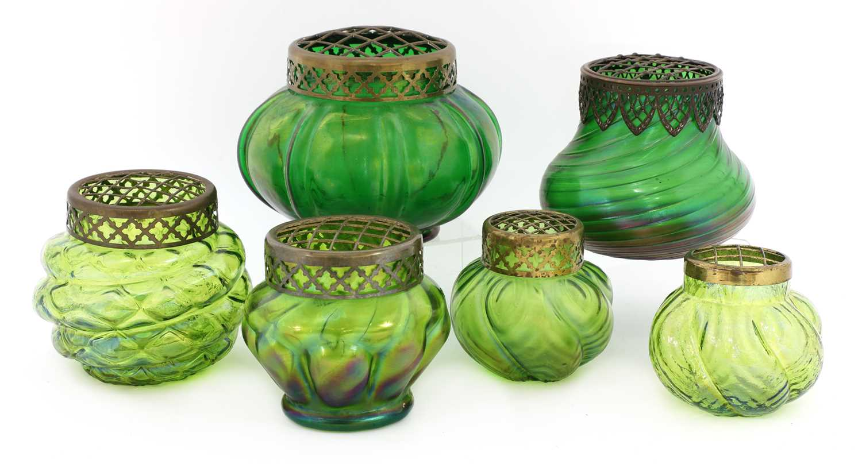 Lot 102 - A Kralik 'Nautilus' glass bowl