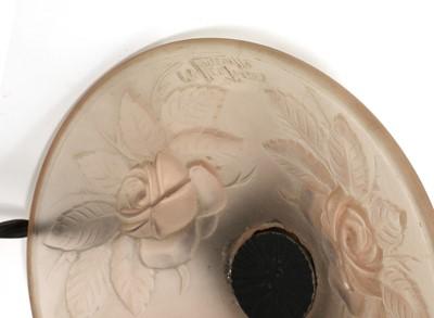 Lot 458 - An Art Deco French Espauret glass vase