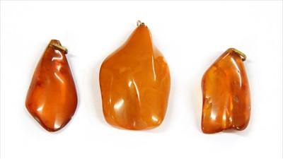 Lot 17-A butterscotch amber pendant