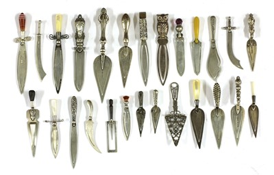 Lot 78 - Twenty-six silver trowel and knife bookmarks