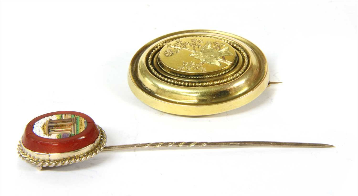 Lot 4-A Victorian gold oval brooch