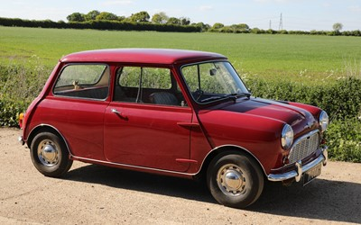 Lot 1-1960 Morris Mini Minor De-Luxe Saloon '71 COX'