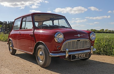 Lot 1-1960 Morris Mini Minor De-Luxe Saloon '71 COX'