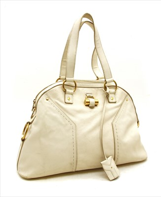 Lot 1022-A Yves Saint Laurent cream leather muse shoulder bag