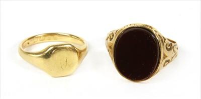 Lot 26-A Victorian 15ct gold cornelian signet ring