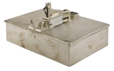 Lot 73 - A Victorian silver cigar box