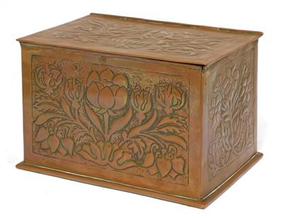 Lot 121 - A Keswick School of Industrial Arts' copper box