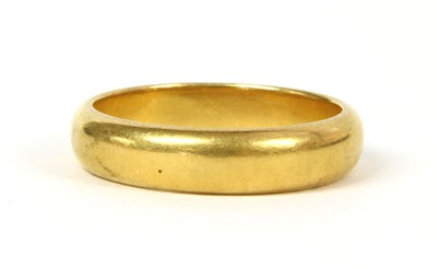 Lot 34-A 22ct gold D section wedding ring