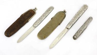 Lot 22-Three silver folding fruit knives
