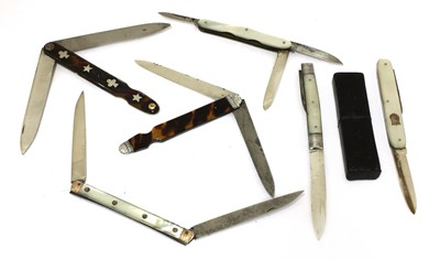 Lot 47-Six folding fruit knives with double blades
