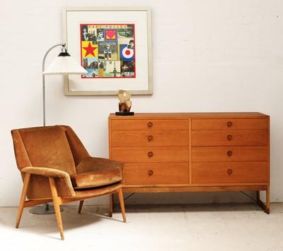 Lot 43-A Parker Knoll 'PK-940' armchair
