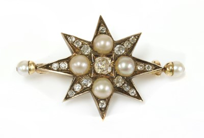 Lot 25 - A Victorian diamond and pearl India star