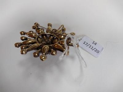 Lot 14 - A garnet set star brooch/pendant, c.1800