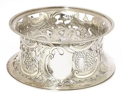 Lot 34 - A silver potato ring
