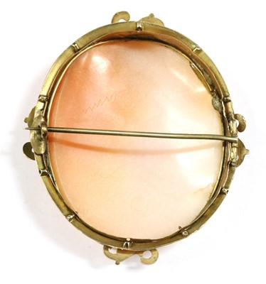 Lot 21-A gold mounted cameo brooch