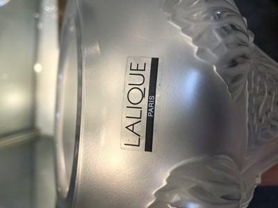 Lot 291 - A Lalique 'Button Rose' glass vase