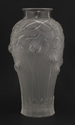 Lot 292 - A Lalique 'Giverny' glass vase