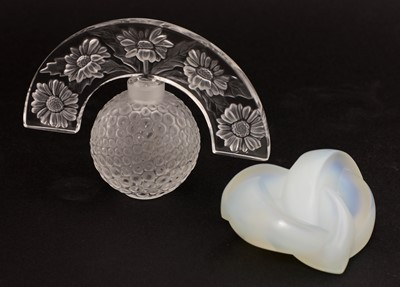 Lot 299 - A Lalique 'Folie' flacon or perfume bottle and stopper