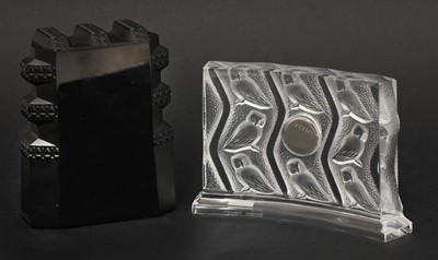Lot 296 - Two Lalique glass clocks 'New York', and 'Hulotte'