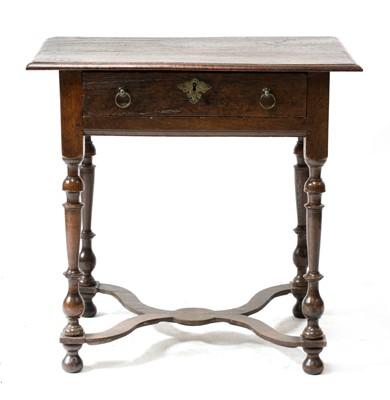Lot 99 - A small oak side table