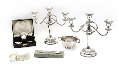 Lot 218 - A collection of silver items