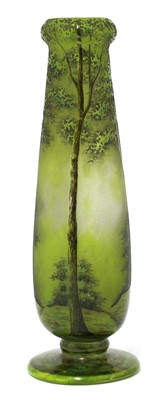 Lot 117 - A Daum cameo glass vase