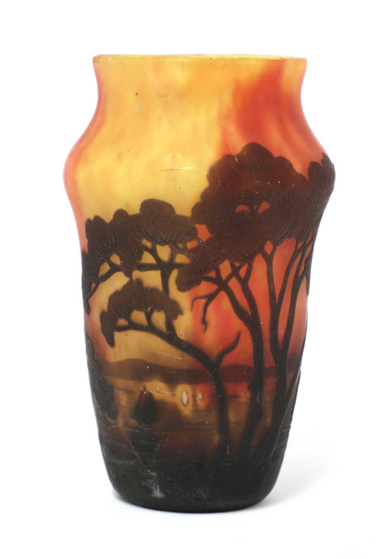 Lot 115 - A Daum 'Red Sky' cameo glass vase