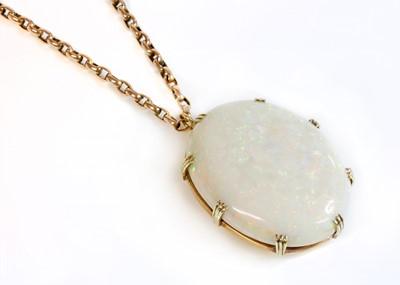 Lot 109 - A single stone opal pendant