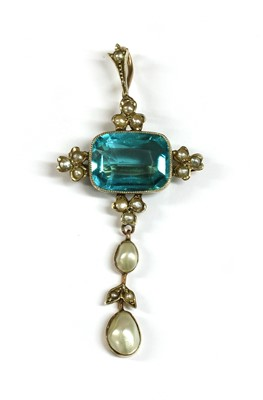 Lot 10-A gold paste and split pearl cinquefoil cluster pendant/brooch