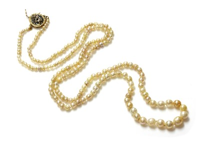 Lot 144 - A single row graduated pearl necklace