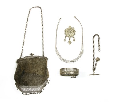 Lot 48 - A sterling silver mesh purse