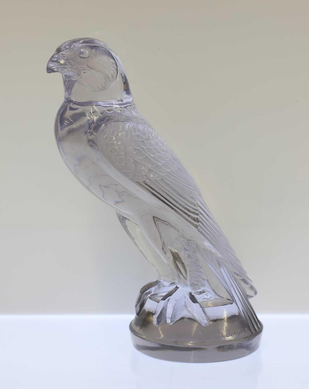 Lot 302 - A Lalique glass 'Faucon' car mascot
