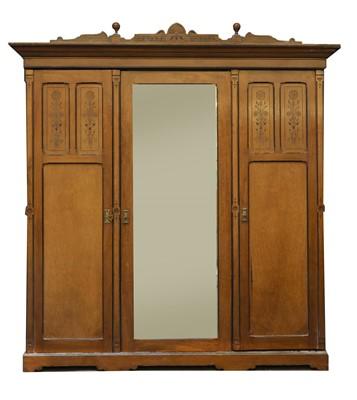 Lot 82 - An Aesthetic oak four-piece bedroom suite