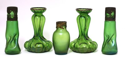 Lot 101 - A collection of Kralik glass